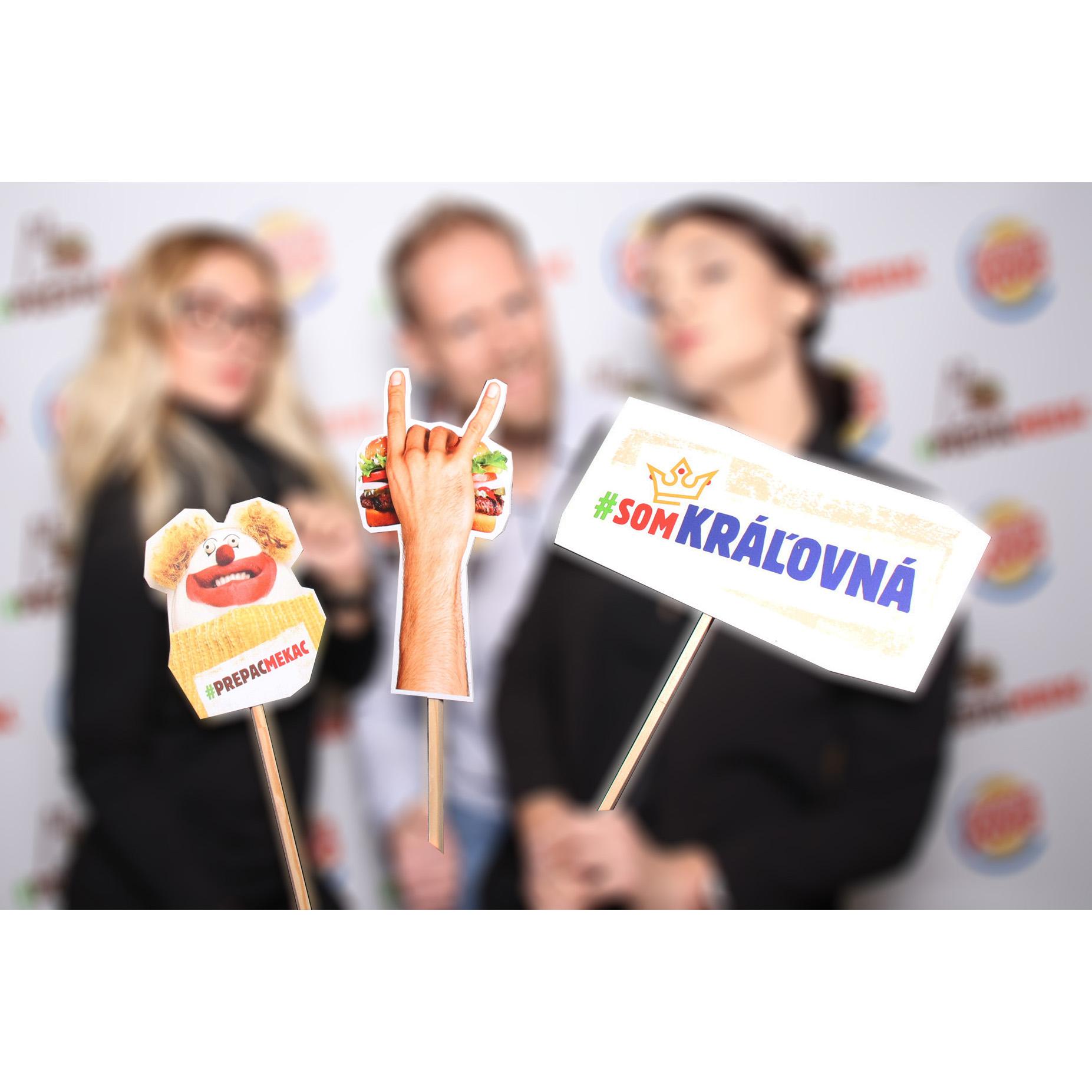 rekvizity na firemnu party fotokutik event zilina bratislava FOTOKÚTIK.sk - PHOTOBOOTH.sk