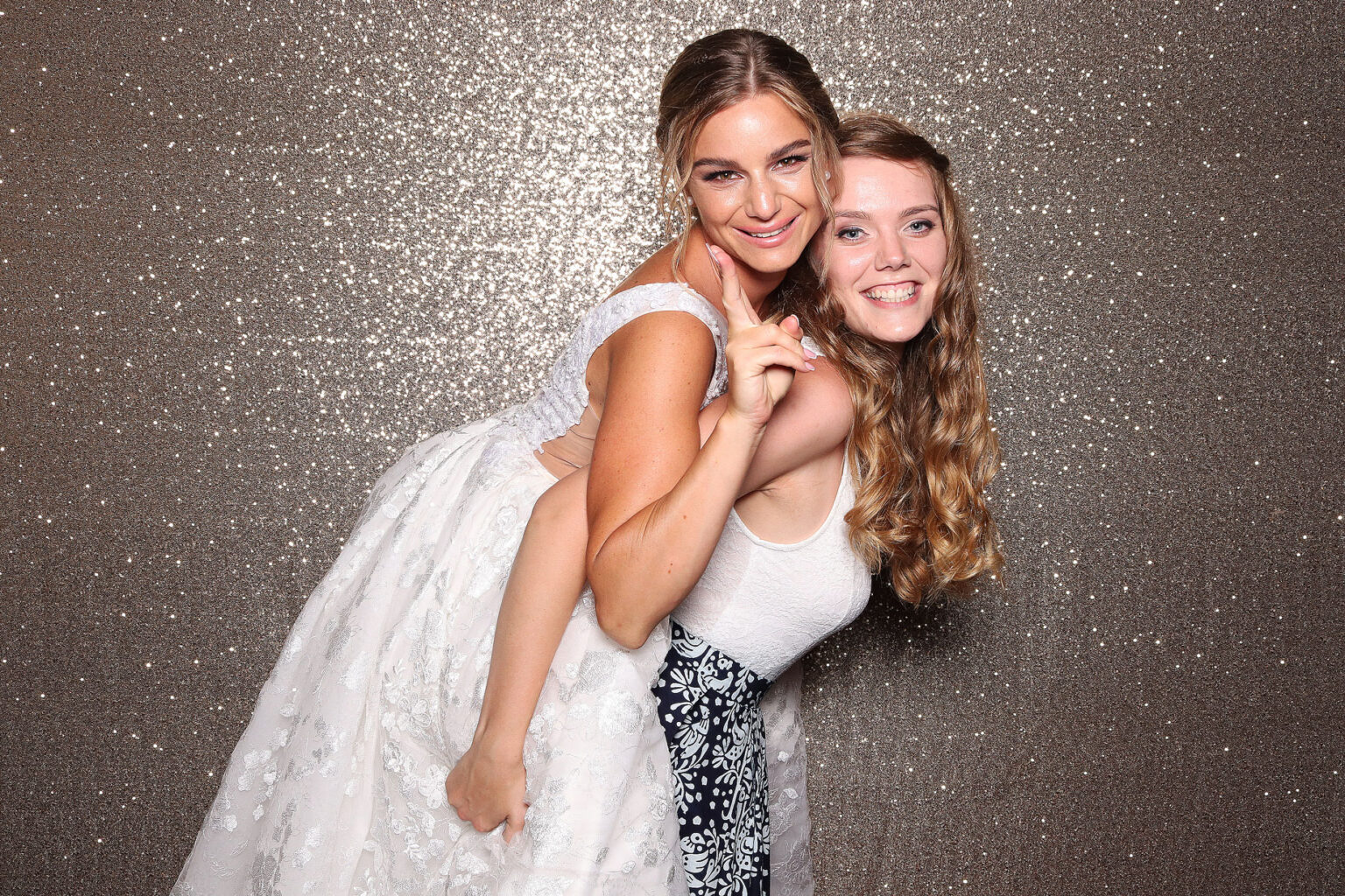 fotopozadie na svadbu champagne fotokutik svadobna fotostena FOTOKÚTIK.sk