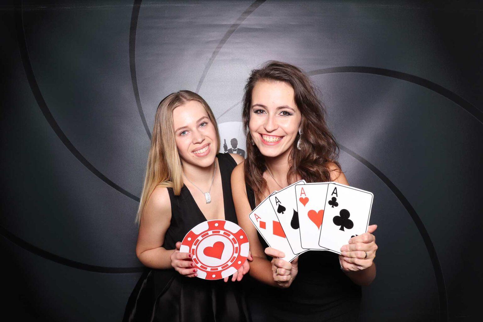 Fotokútik Casino párty - pozadie James Bond - fotobox Bytča.
