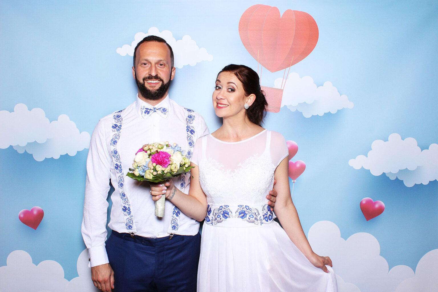 Fotokútik na svadbu - pozadie srdcia - láska - Bratislava.