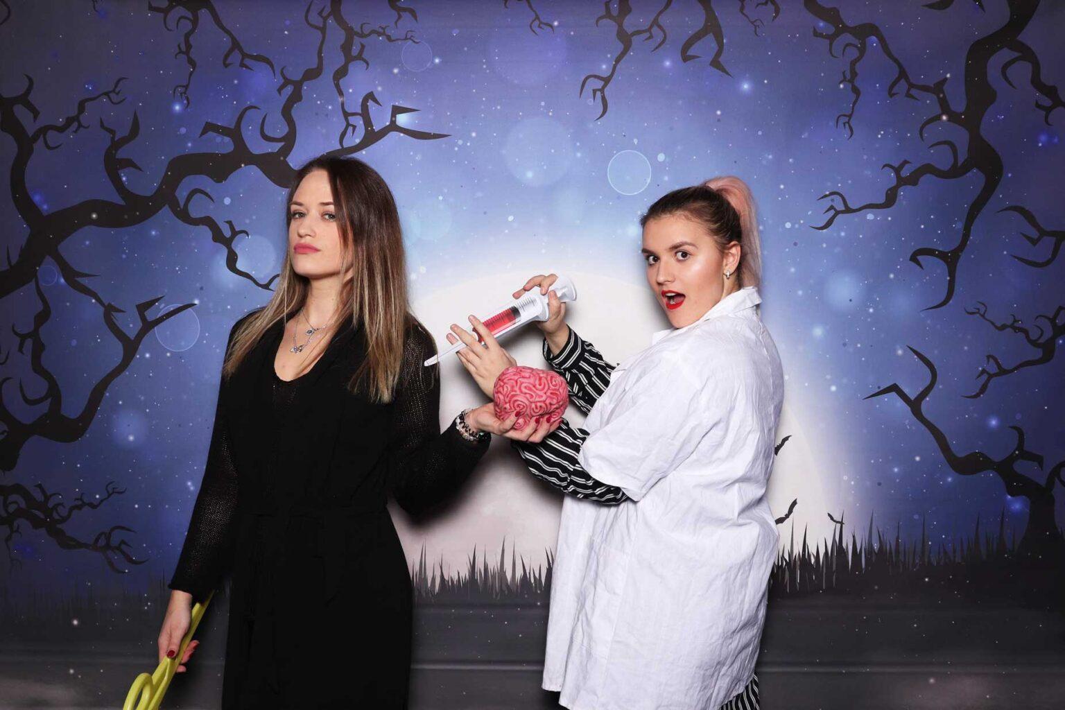 Fotostena Halloween - rekvizity na strašidelnú párty.