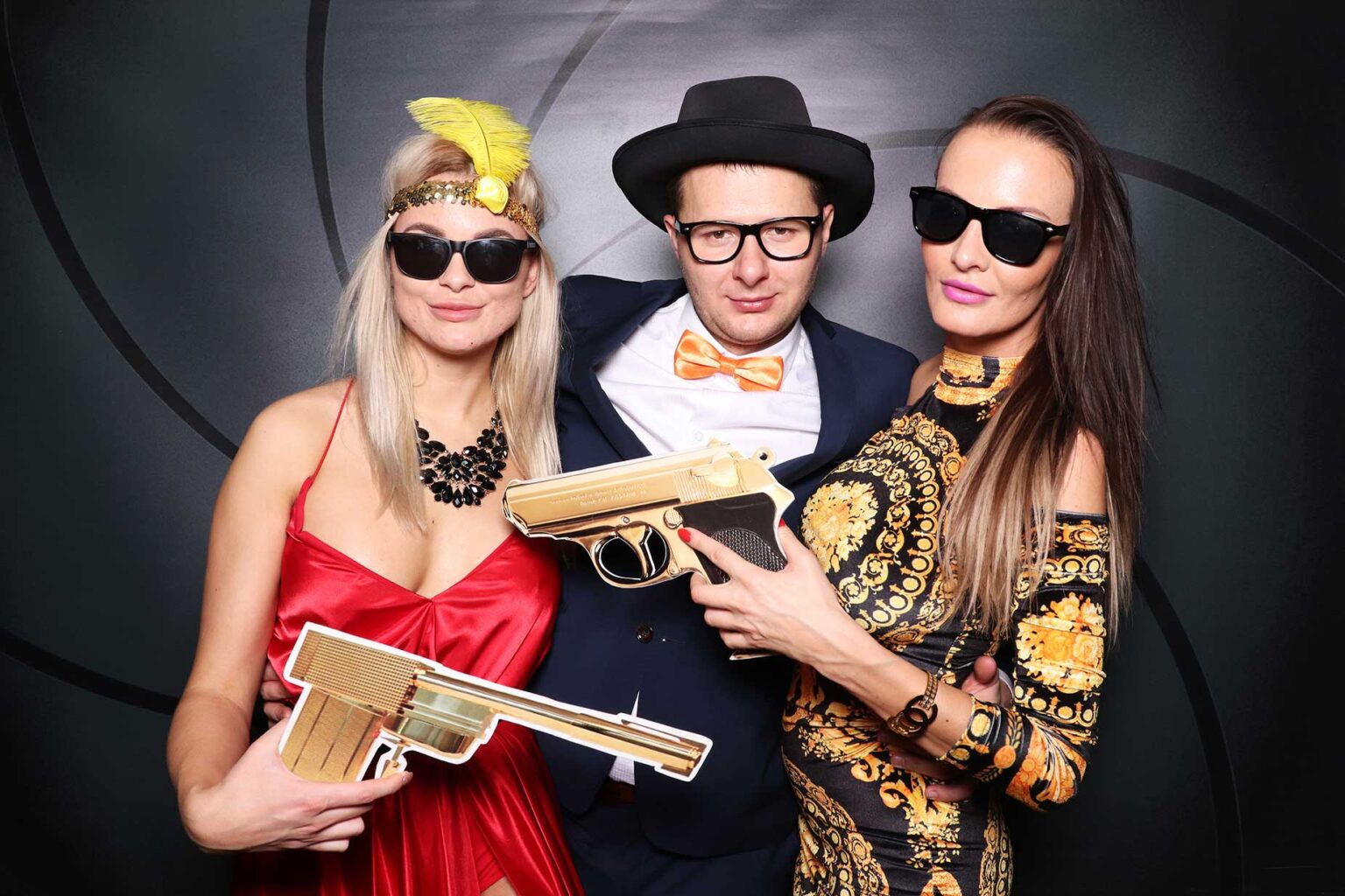 James Bond fotokútik - fotobox, photobooth Bratislava.