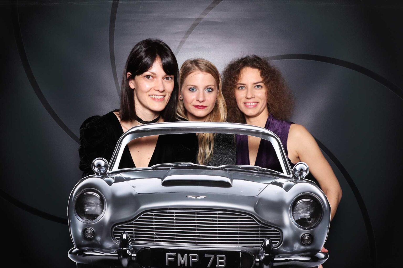 Pozadie James Bond - fotokútik na párty, večierok Žilina.