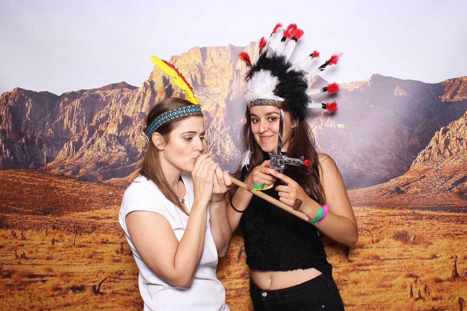 Pozadie Western - fotokútik na indiánsku párty - fotostena.