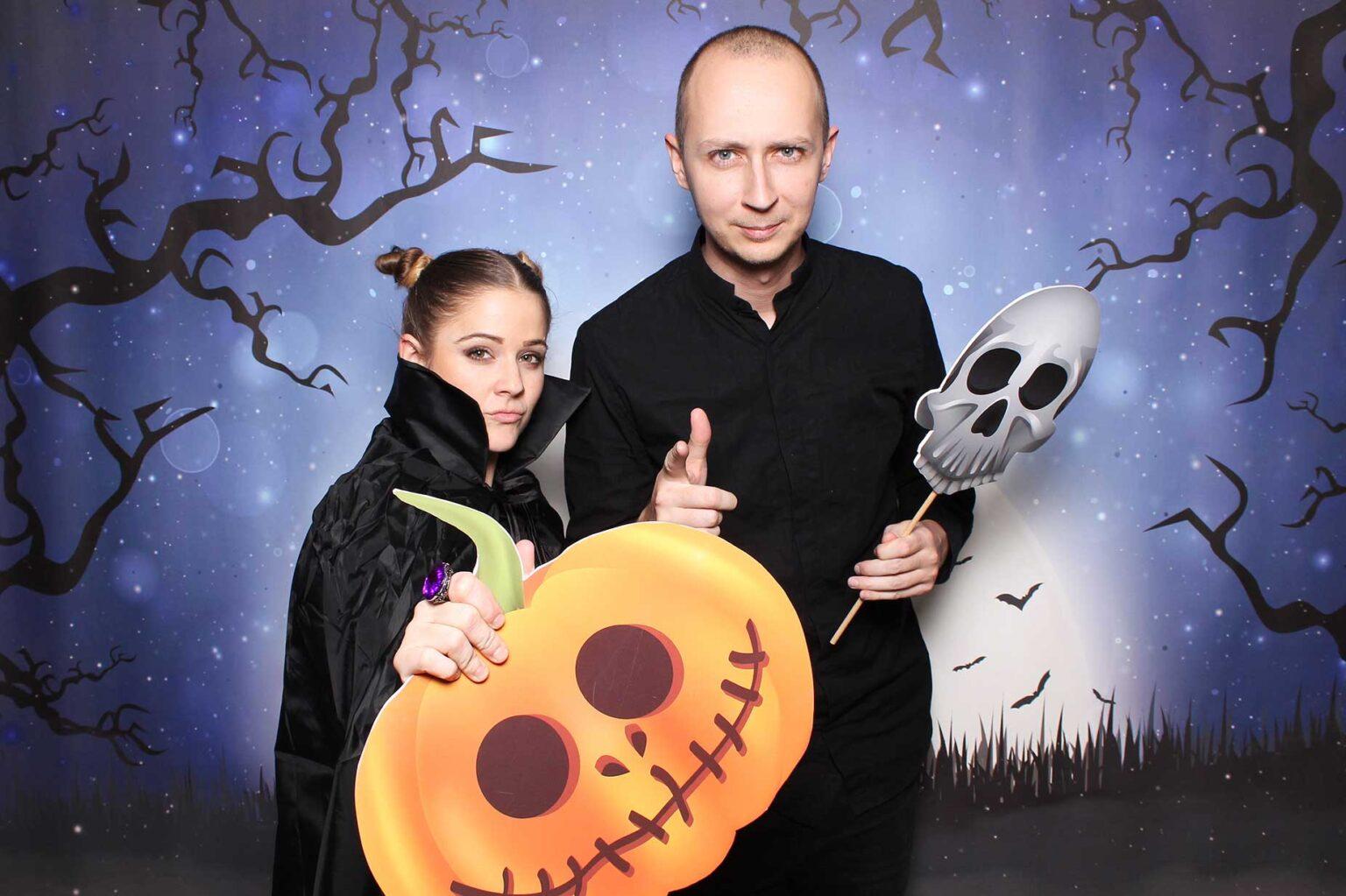 Prenájom fotokútika na halloweensku party - fotobox na večierok.