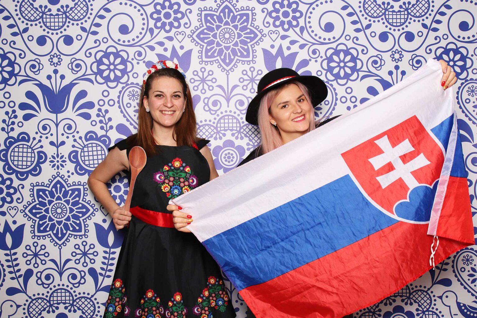 Slovenský fotobox - rekvizity Slovak photobooth - Bratislava, Žilina.