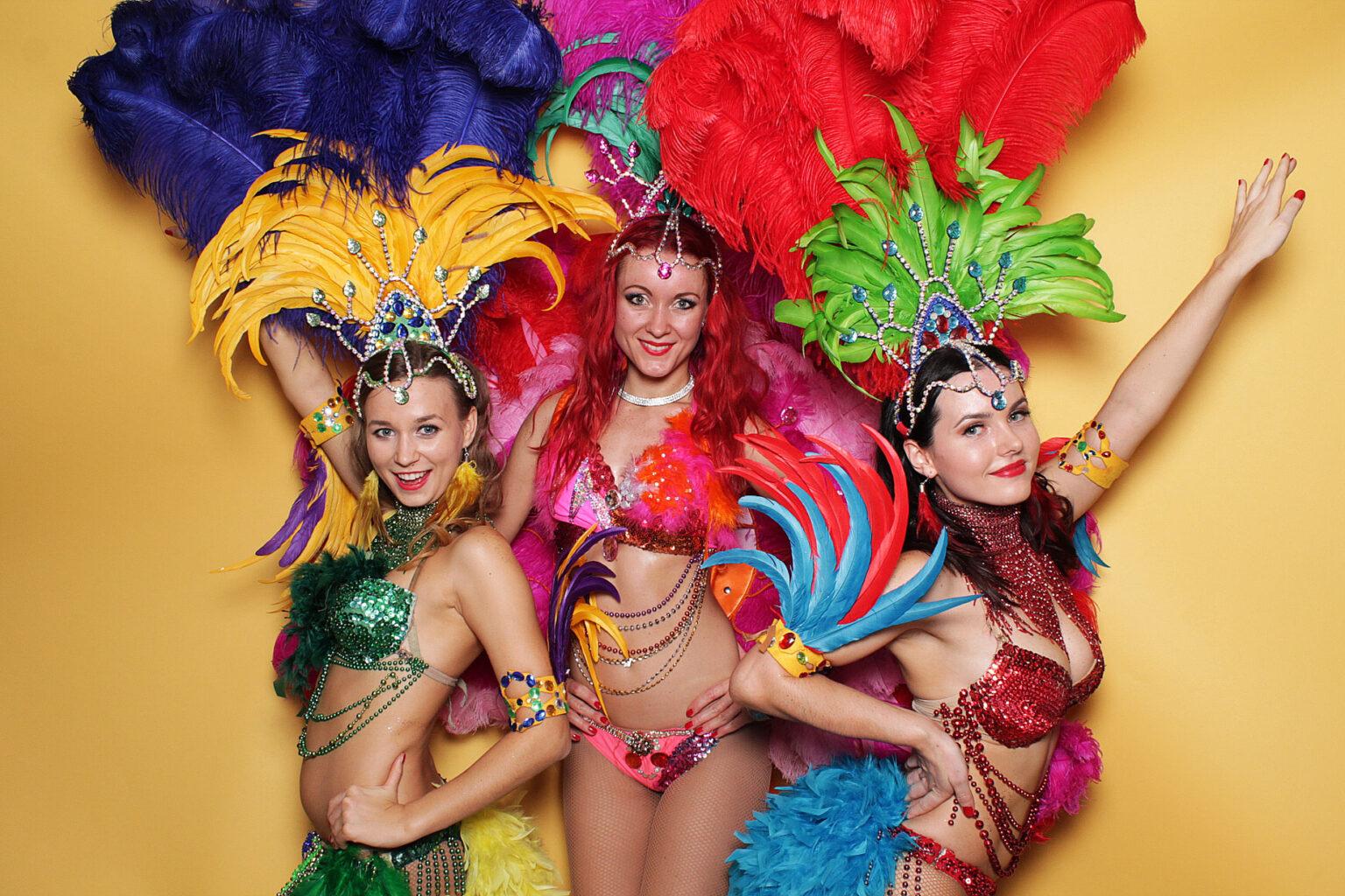 Fotokútik na latino párty - fotobúdka Hawaii event.