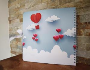 Flying hearts (3)